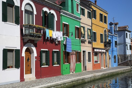 Stock Photo: 1889R-33943 Brightly painted houses with hanging laundry, Burano, Italy