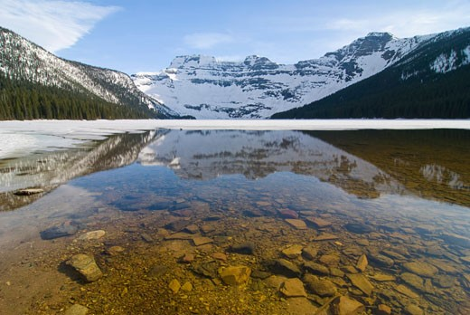 Cameron Lake, Waterton Lakes National Park, Alberta, Canada   : Stock Photo