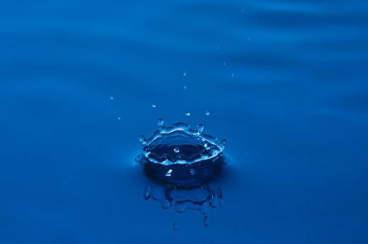 Blue droplet : Stock Photo