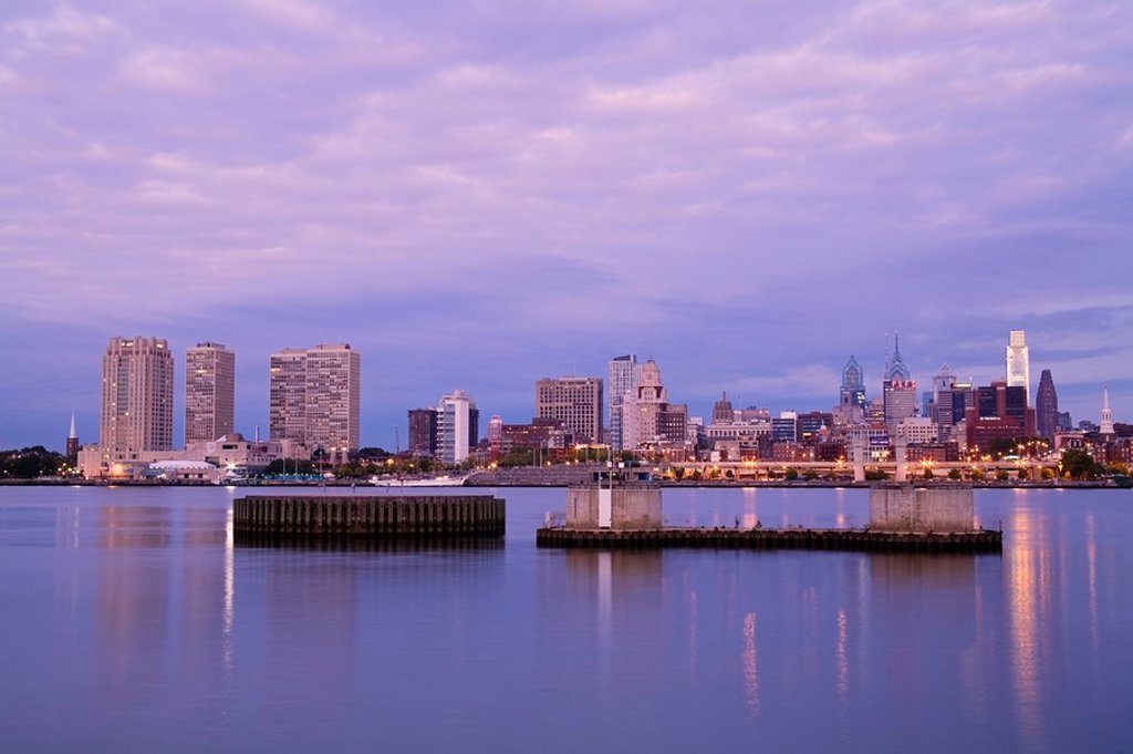 Philadelphia skyline and Delaware River, Pennsylvania, USA : Stock Photo