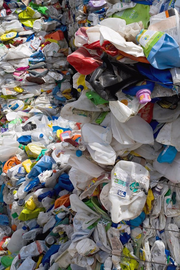 Mounds of plastic and metal for recycling : Stock Photo