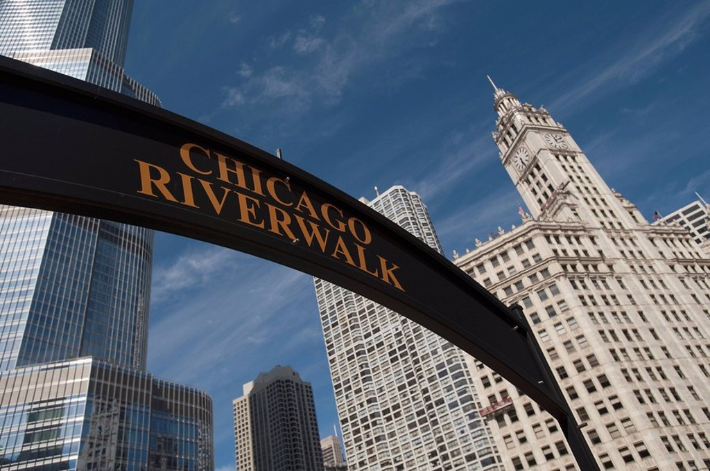 Stock Photo: 1889R-48462 Chicago Riverbank´ sign, Chicago, Illinois, USA
