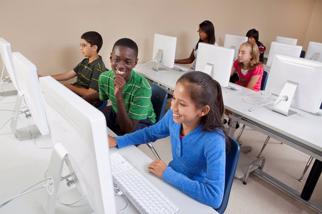 Stock Photo: 1889R-50374 students in computer class