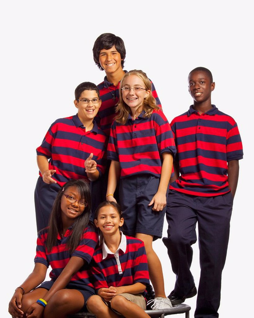 Stock Photo: 1889R-50618 group of students in matching shirts