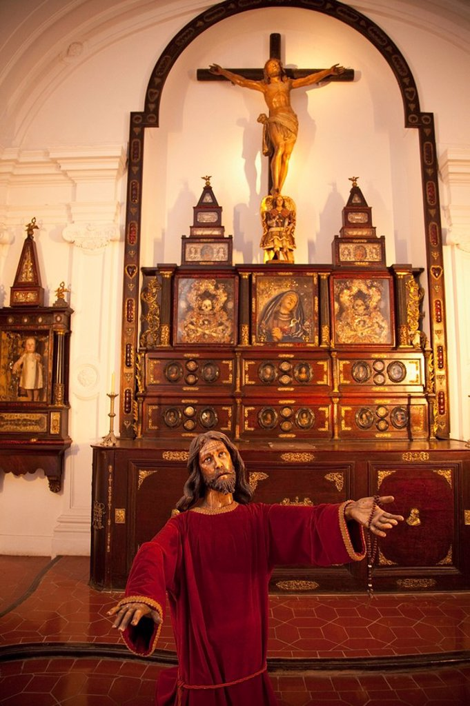 Buenos Aires, Argentina, A Statue Of Jesus In A Jesuit Built Church In 1732 In Recoleta : Stock Photo