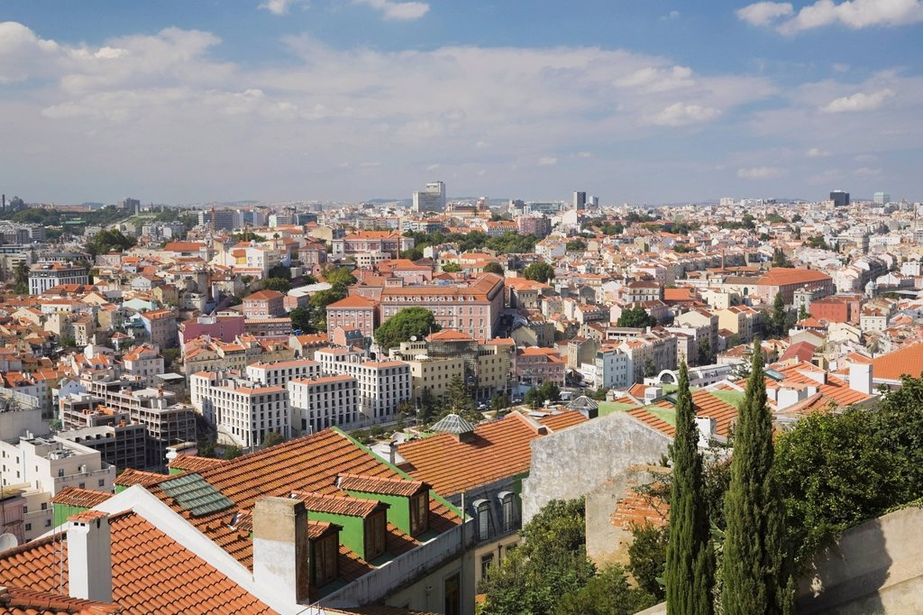 Stock Photo: 1889R-67433 terracotta rooftop skyline from castle of sÒo jorge, lisbon, portugal