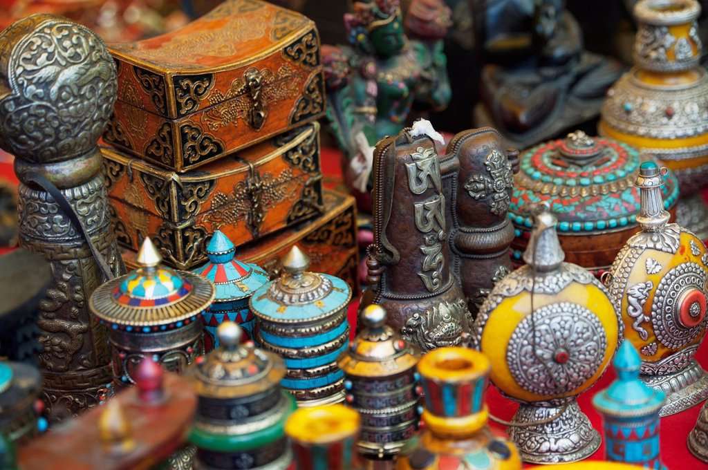 various handicrafts displayed on a table, thimphu thimphu district bhutan : Stock Photo