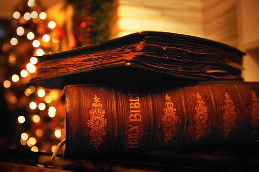 Bible at Christmas time : Stock Photo