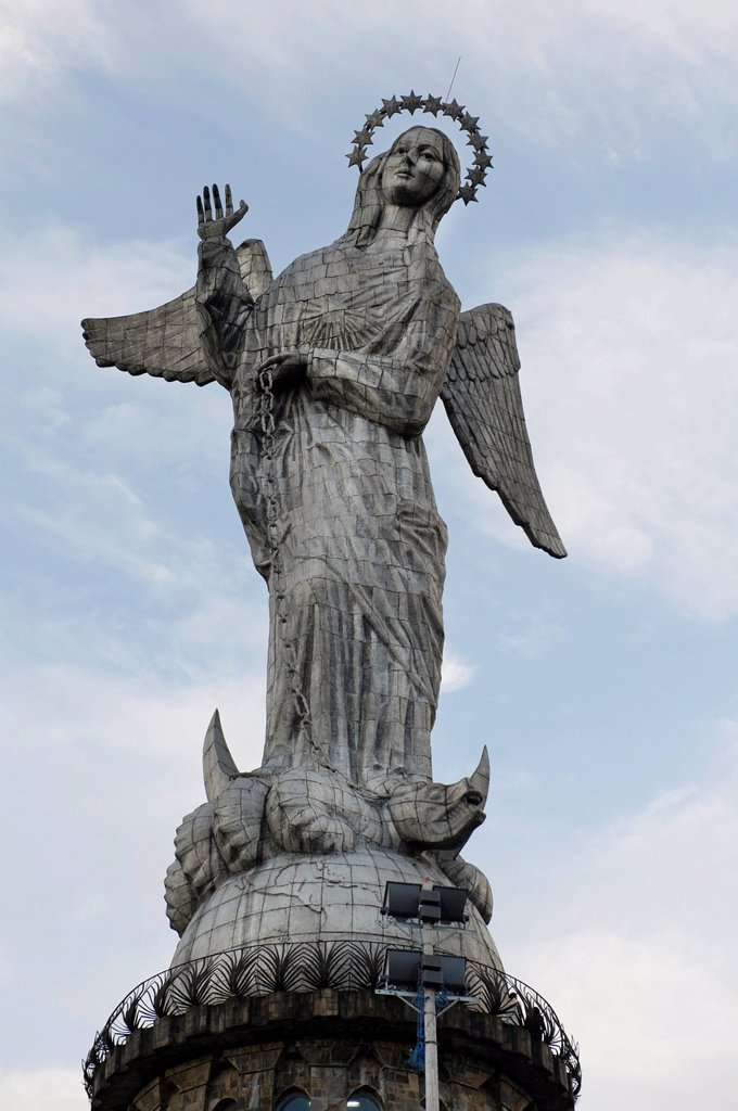 Stock Photo: 1889R-71778 virgin of quito statue, quito, equador