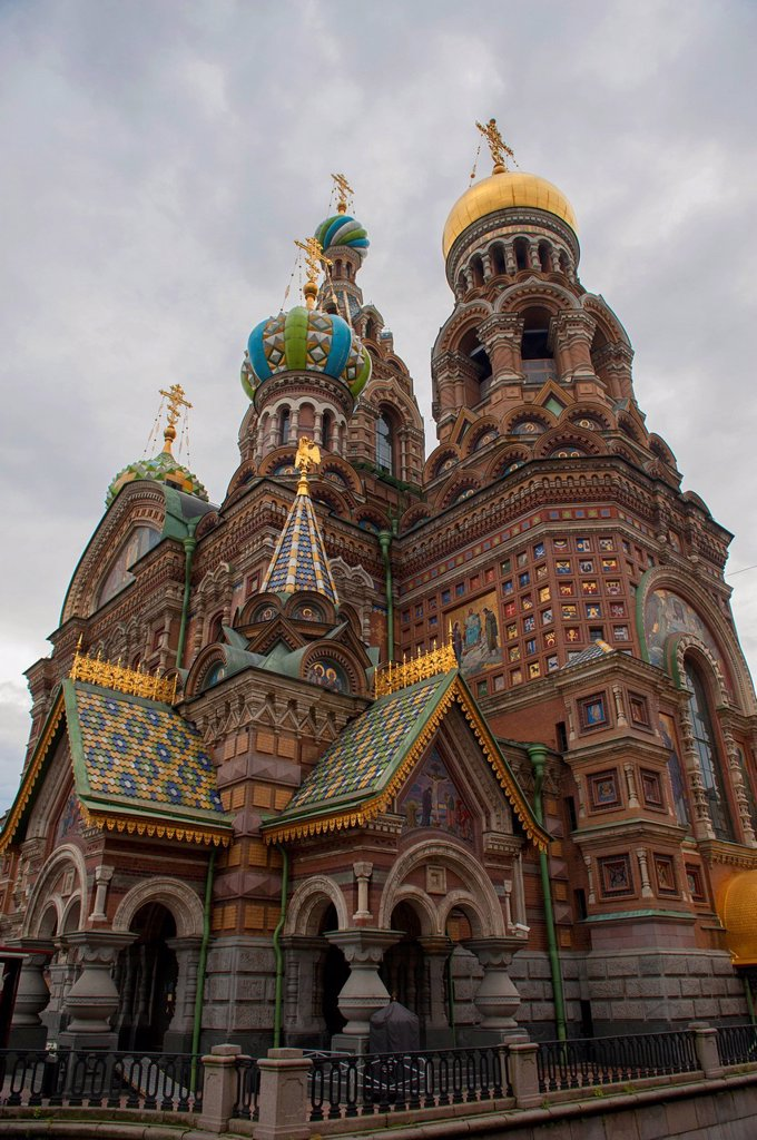 Stock Photo: 1889R-74008 Cathedral of the resurrection of christ, st. petersburg russia