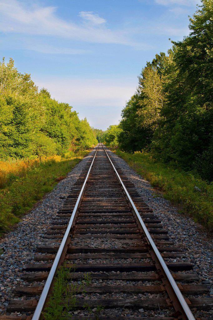 railway tracks, iron hill, quebec, canada : Stock Photo