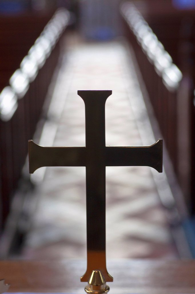 Stock Photo: 1889R-77796 A cross in line with a centre aisle in a church, staindrop durham england
