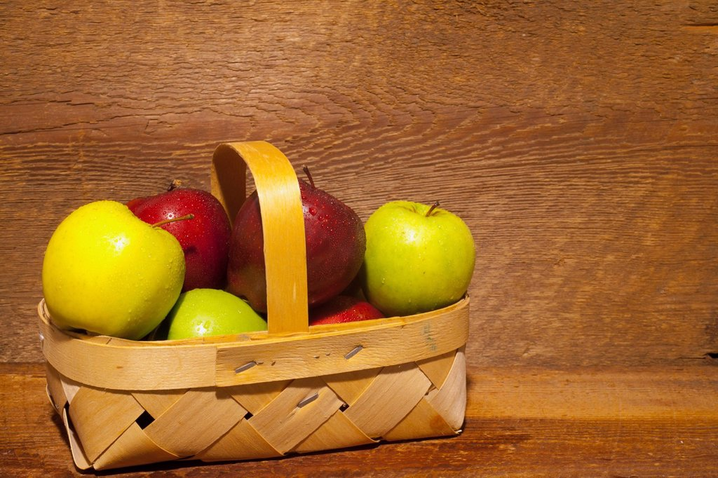 Apples In A Basket, Waterloo Quebec Canada : Stock Photo