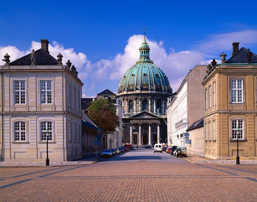 Stock Photo: 1889R-7917 The Marble Church (center) and Danish Royal Palace (right)