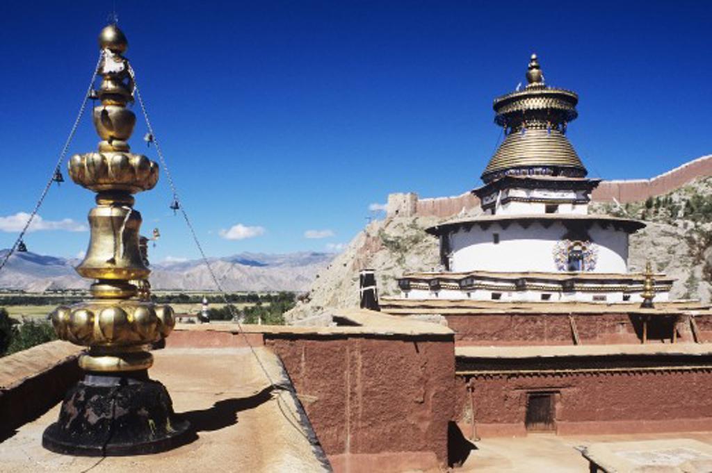 Gyantse Kumbrun from the Pelkor Chode Monastery, Gyantse, Tibet, China : Stock Photo