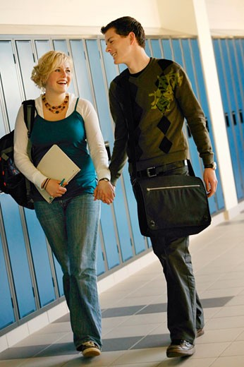 Stock Photo: 1889R-9064 Student couple