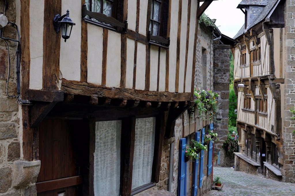 Stock Photo: 1890-100085 Half timbered houses, Rue du Petit Fort, Dinan, Cotes_d´Armor, Brittany Bretagne, France, Europe