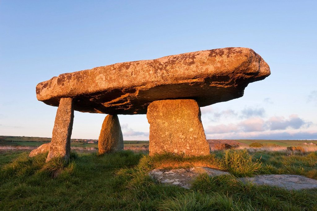 Lanyon Quoit burial chamber, Madron, near Penzance, Lands End, Cornwall, England, United Kingdom, Europe : Stock Photo