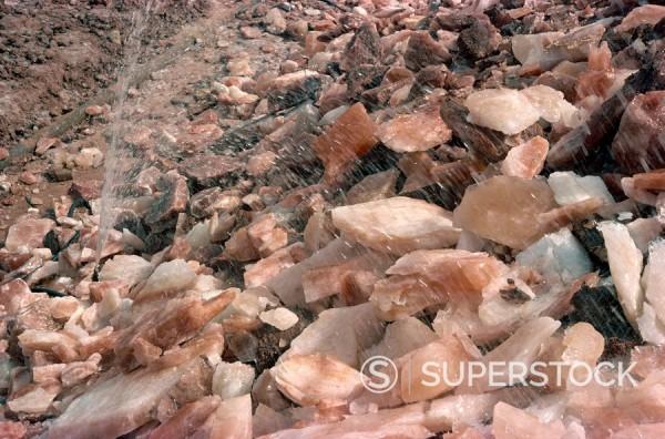 Stock Photo: 1890-1005 Kewra salt mines, Pakistan, Asia