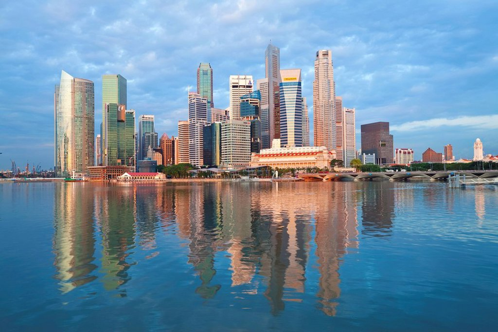 Skyline and Financial district at dawn, Singapore, Southeast Asia, Asia : Stock Photo