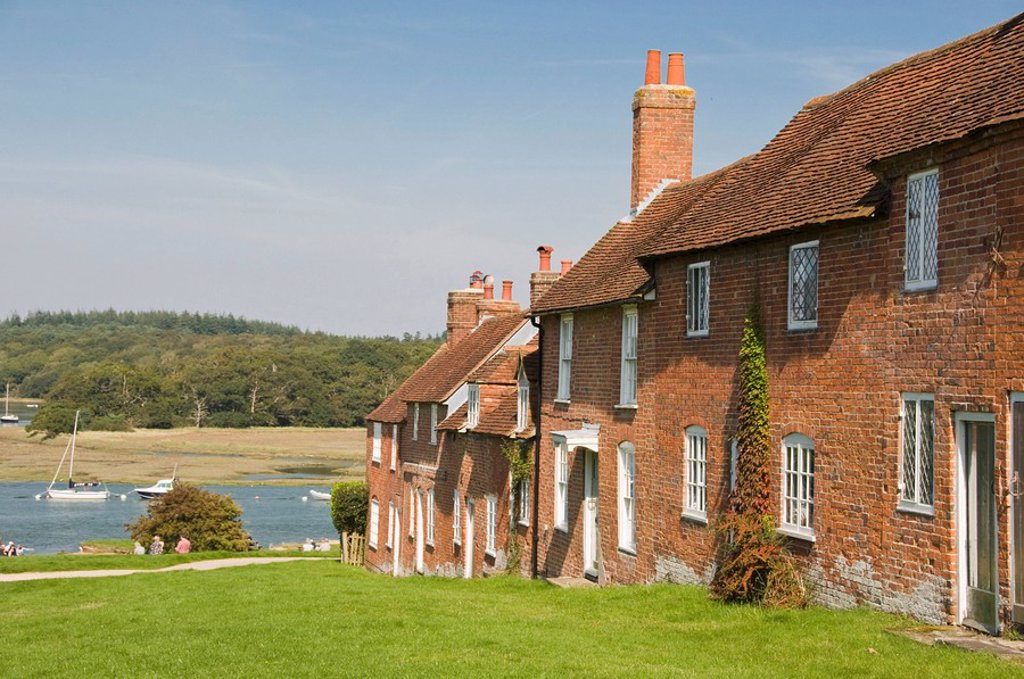 Stock Photo: 1890-101174 Shipwrights´ cottages at Buckler´s Hard, Hampshire, England, United Kingdom, Europe