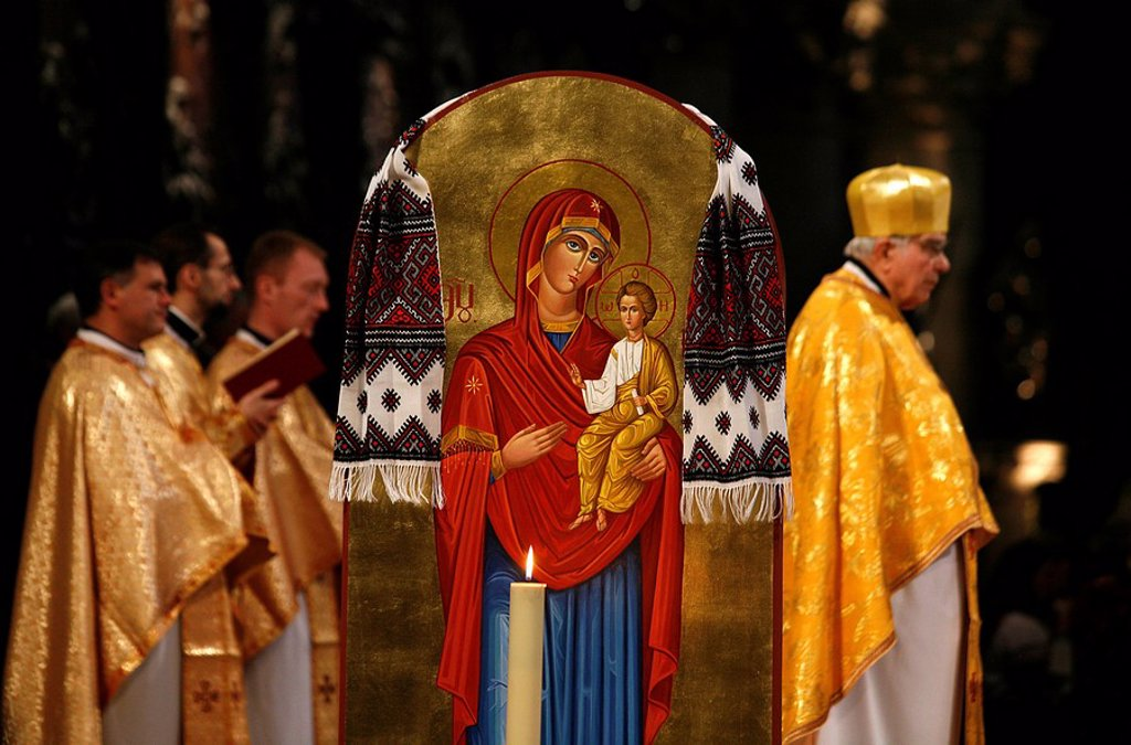 Stock Photo: 1890-102580 Melkite Greek Catholic liturgy in Paris cathedral, Paris, France, Europe