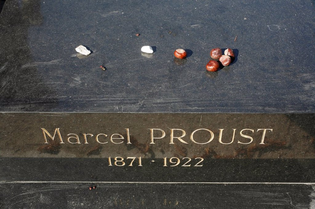 Marcel Proust´s grave at Pere Lachaise cemetery, Paris, Ile de France, France, Europe : Stock Photo