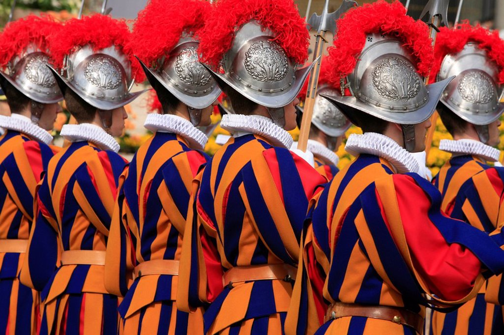 Swiss guards parading, Vatican, Rome, Lazio, Italy, Europe : Stock Photo