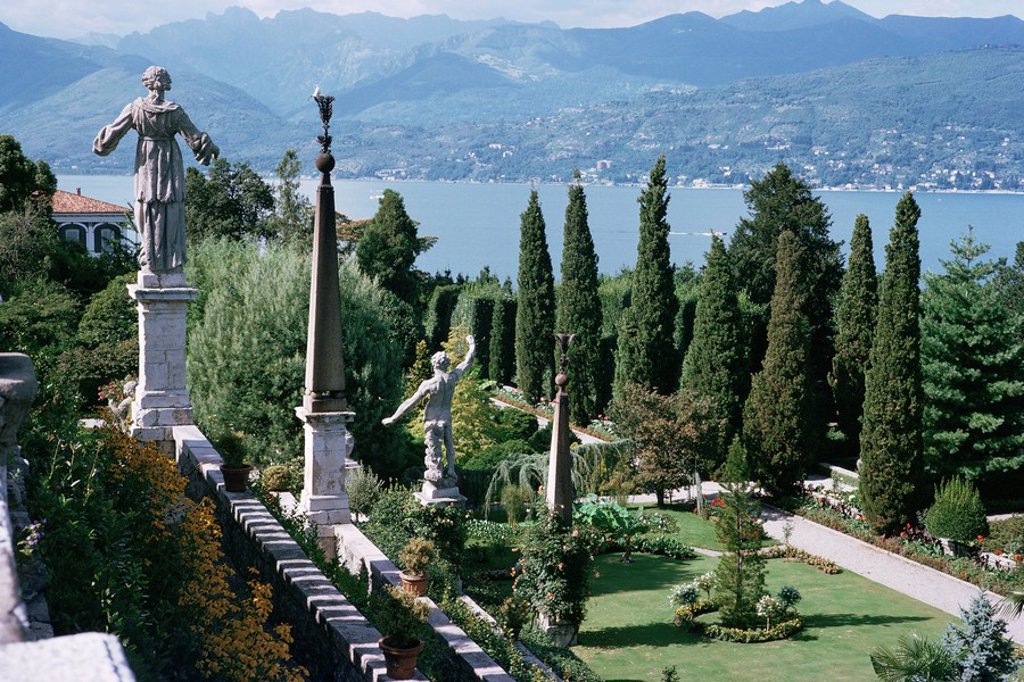 Isola Bella, completed in 1670 for Count Borromeo, Lake Maggiore, Piedmont, Italy, Europe : Stock Photo