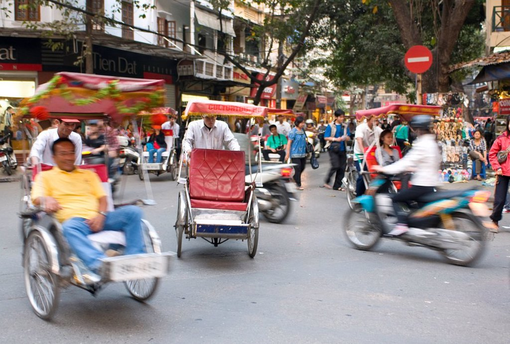 Stock Photo: 1890-106310 Busy street with rickshaw drivers, Hanoi, Vietnam, Indochina, Southeast Asia, Asia