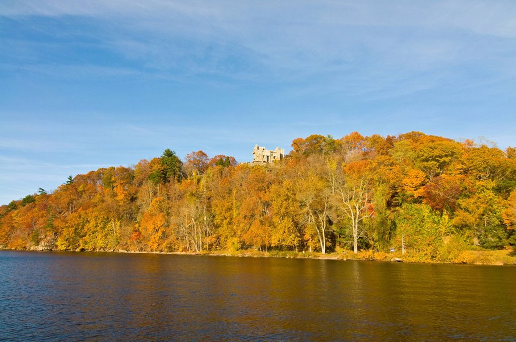 Stock Photo: 1890-108236 Beautiful foliage above the Connecticut River, Connecticut, New England, United States of America, North America