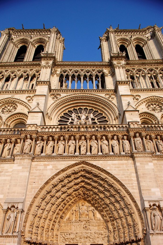 West front, Notre Dame Cathedral, UNESCO World Heritage Site, Paris, France, Europe : Stock Photo
