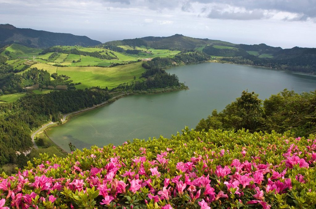 Stock Photo: 1890-109128 Lagoa das Furnas crater in Furnas, San Miguel, Azores, Portugal, Europe