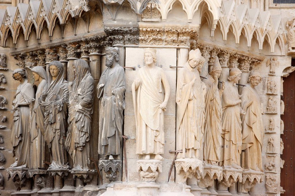 Stock Photo: 1890-109349 Statues on the west front of Reims cathedral, UNESCO World Heritage Site, Reims, Marne, France, Europe