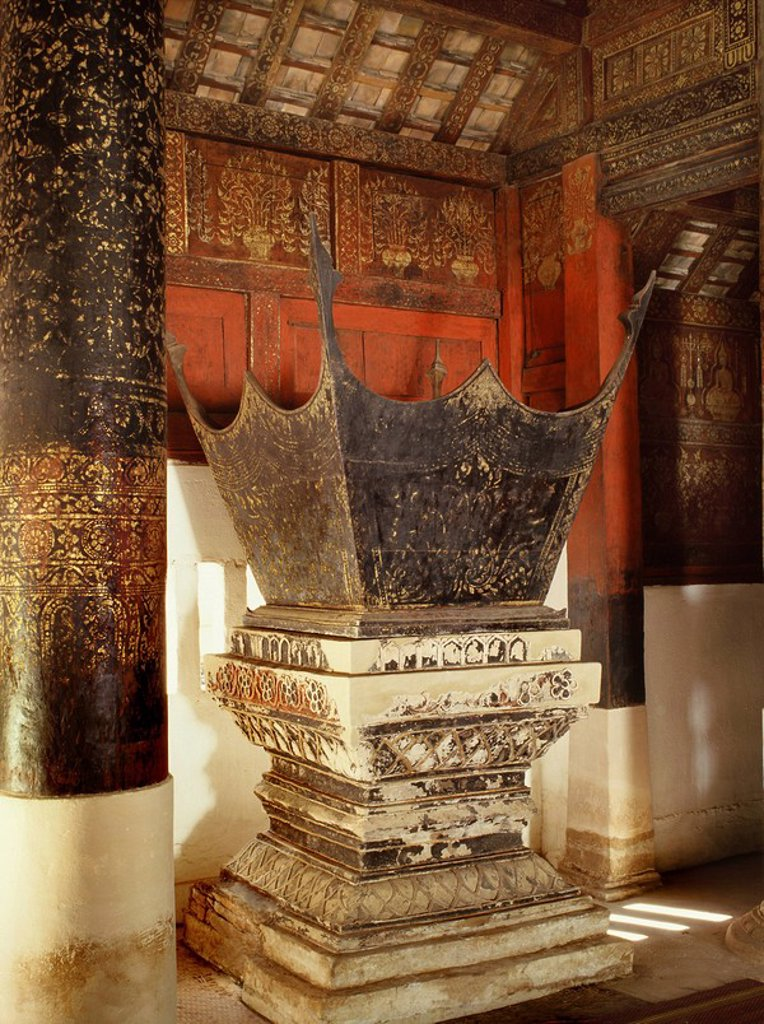 Preaching chair, Wat Pong Yang Kok, a classic example of Lanna Northern Thai craftmanship and architecture Lampang, Thailand, Southeast Asia, Asia : Stock Photo