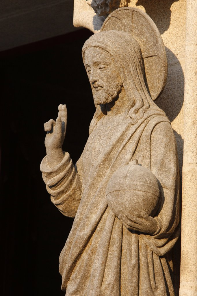 Stock Photo: 1890-111399 Western gate sculpture of the risen Christ holding the world, Saint_Corentin Cathedral, Quimper, Finistere, Brittany, France, Europe