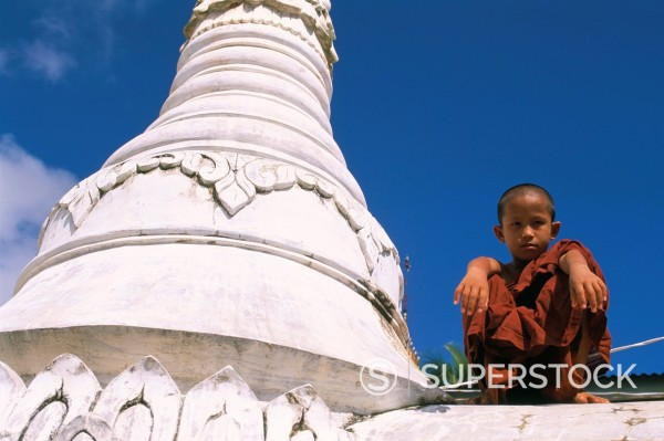Stock Photo: 1890-111616 Young Buddhist monk at Ywama monastery, Ywama, Inle Lake, Shan State, Myanmar Burma, Asia
