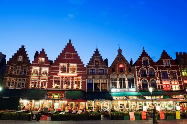 Markt market square illuminated at night, Old Town, UNESCO World Heritage Site, Bruges, Flanders, Belgium, Europe : Stock Photo