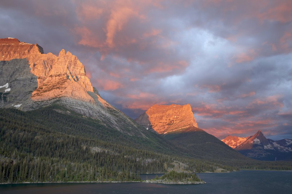Stock Photo: 1890-112955 Coulds at dawn, St. Mary Lake, Glacier National Park, Montana, United States of America, North America