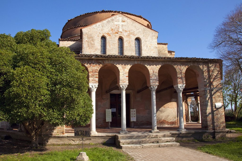 Santa Fosca, a Byzantine church dating from the 11th and 12th centuries, Torcello, Venice, UNESCO World Heritage Site, Veneto, Italy, Europe : Stock Photo