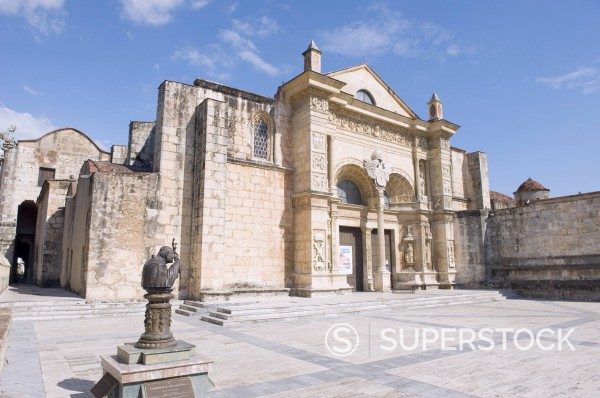 Catedral Primada de America First Cathedral of the Americas, Zona Colonial Colonial District, UNESCO World Heritage Site, Santo Domingo, Dominican Republic, West Indies, Caribbean, Central America : Stock Photo