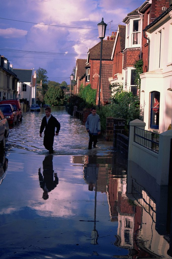 The Pells area of Lewes during the floods of October 2000, Lewes, East Sussex, England, United Kingdom, Europe : Stock Photo