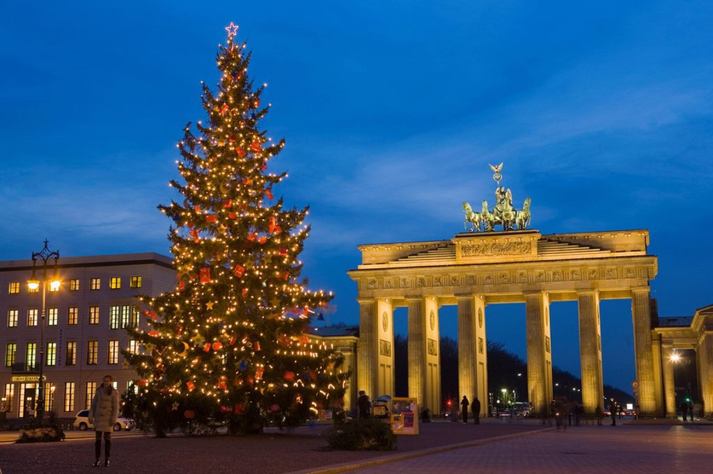 Stock Photo: 1890-117848 Brandenburg gate at Christmas time, Berlin, Germany, Europe
