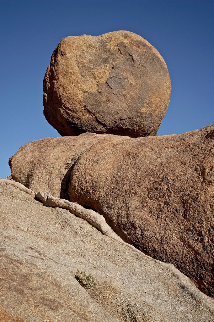 Stock Photo: 1890-119602 Boulder, Alabama Hills, Inyo National Forest, California, United States of America, North America