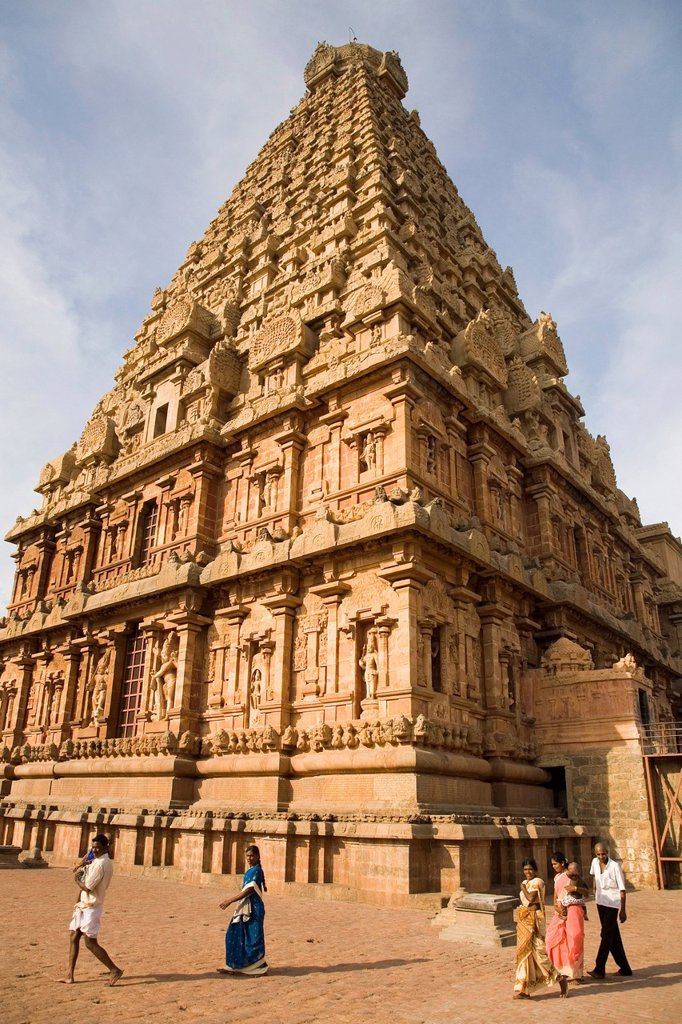 Stock Photo: 1890-121830 Indian pilgrims walk under the Vimana of the Brihadeeswarar Temple Big Temple in Thanjavur Tanjore, Tamil Nadu, India, Asia