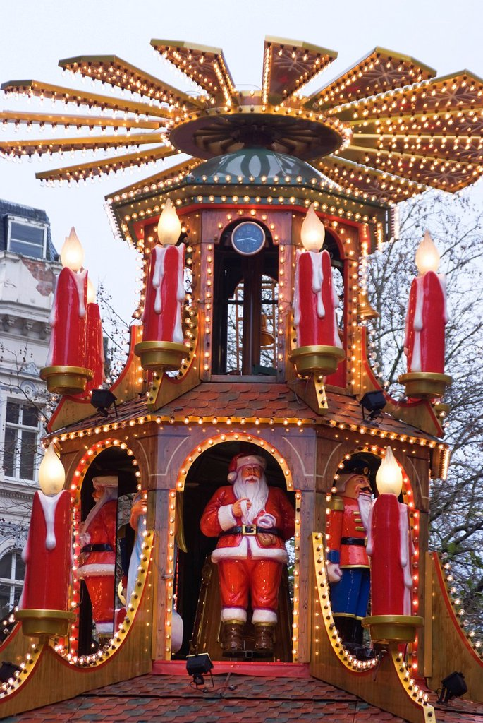 Stock Photo: 1890-124256 The annual Frankfurt Christmas Market, Birmingham, West Midlands, England, United Kingdom, Europe
