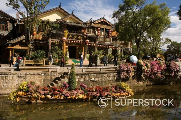 Stock Photo: 1890-124500 Old Town and river, Lijiang, UNESCO World Heritage Site, Yunnan, China, Asia