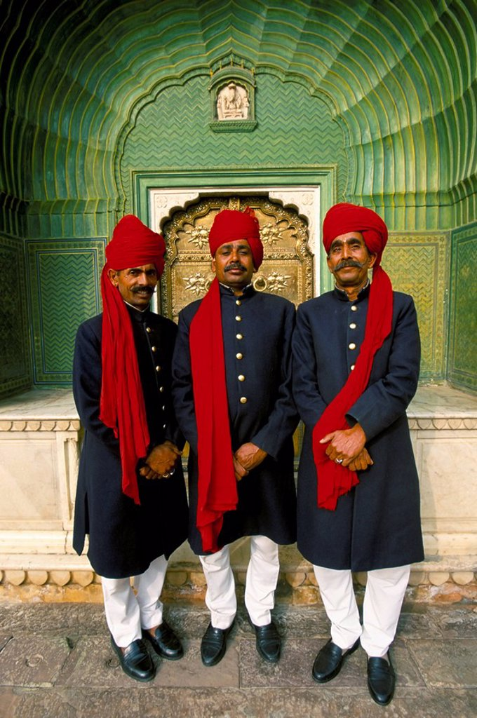 Stock Photo: 1890-12550 Palace guards in turbans at the ornate Peacock Gateway, City Palace, Jaipur, Rajasthan state, India, Asia