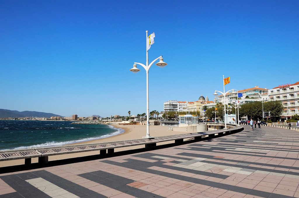 Plage Beaurivage beach, viewed from General De Gaulle Boulevard, St. Raphael, Provence, Cote d´Azur, France, Mediterranean, Europe : Stock Photo