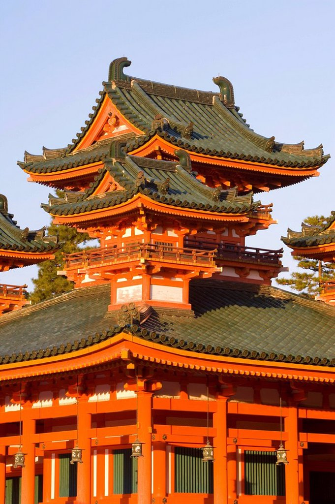 Impressive shrine complex built in 1895 to commemorate the 1100th anniversary of the founding of Kyoto, Heian_Jingu Shrine, Kyoto City, Kansai Region, Honshu, Japan, Asia : Stock Photo